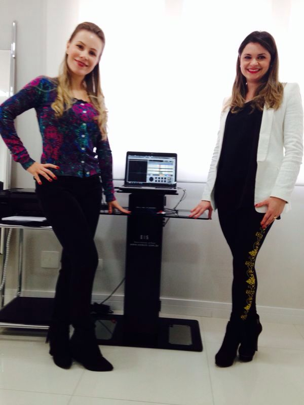 Dra. Liliane Oppermann e Dra. Carolina Bagattoli indicam o exame.